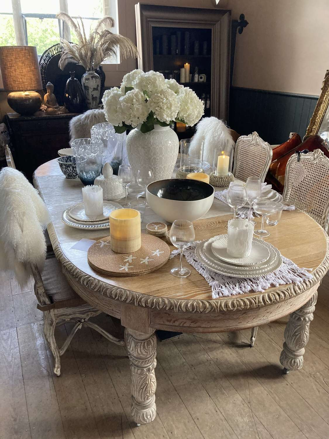 Extending Round Vintage Table